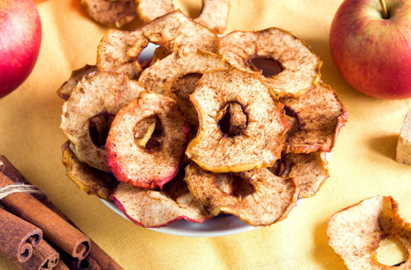 Cinnamon Apple Chips 636970708 770X533 1 745X490