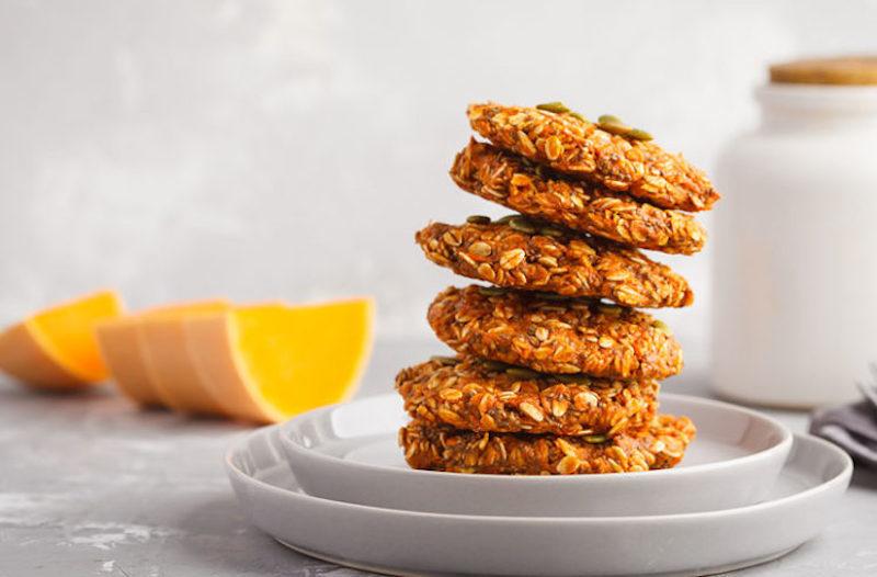 Oatmeal Pumpkin Spice Cookies 984792854 770X533 1 745X490