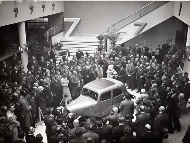A primeira exibição do Citroën 7A ocorreu em Amsterdã,  na Holanda