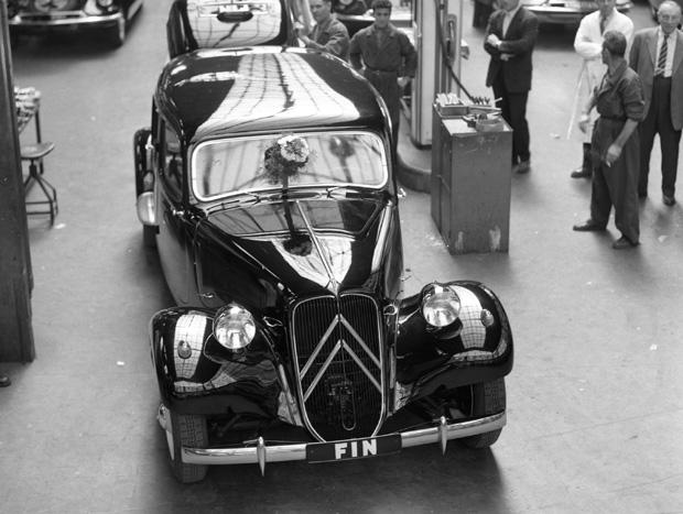 Um 11 Familiale foi o último modelo a deixar a fábrica, em 1957