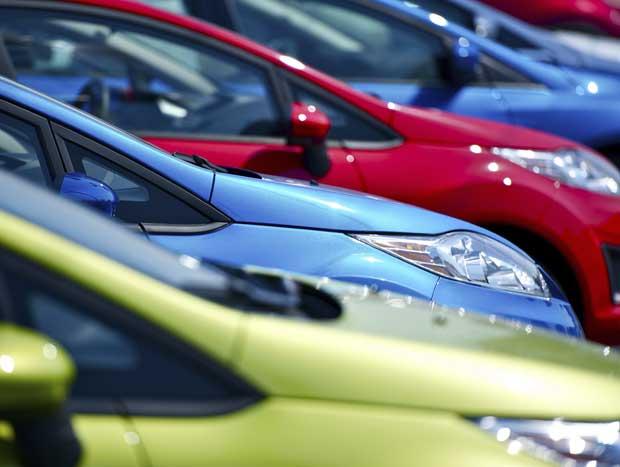 68% dos consumidores da América do Sul preferiram comprar carros nas cores prata, preta e branca no ano passado