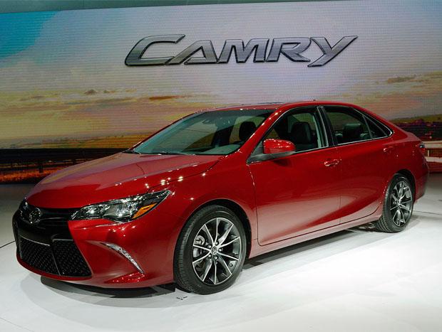 Novo Camry é apresentado em Nova York. Na foto, a versão XSE, com apelo mais esportivo