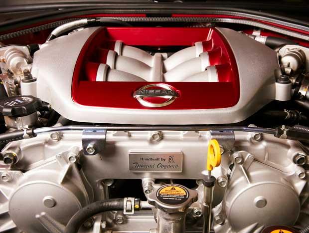 Motor V6 biturbo rende os mesmos 572 cv de potência