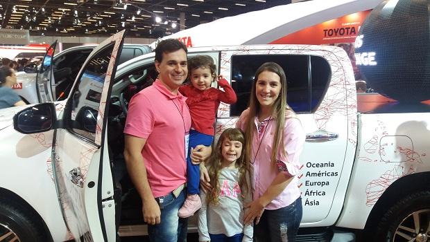 """Cleiton e sua família deram """"nota mil"""" para o evento no SP Expo"""