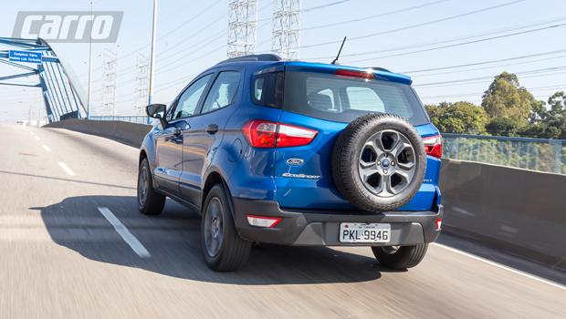 No Brasil, Ford optou por manter o estepe fixado à tampa traseira