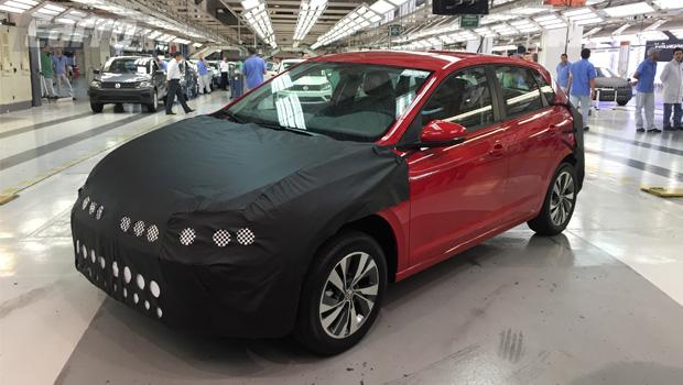 Segundo a VW, visual da dianteira terá desenho exclusivo para o Brasil