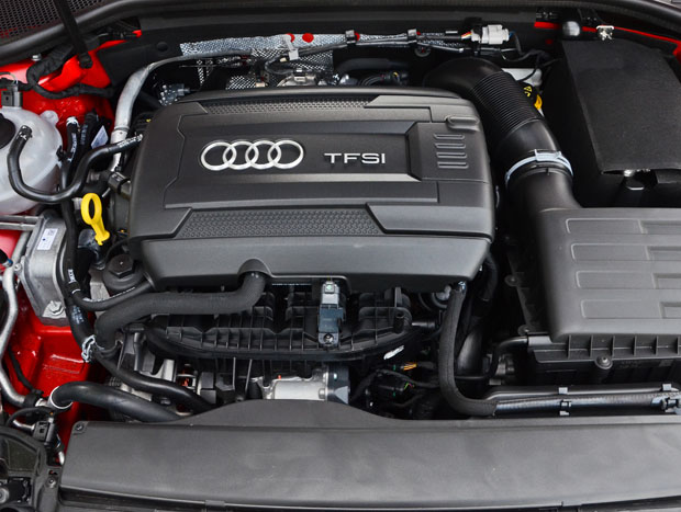 Motor turbo 2.0 continua rendendo 220 cv de potência