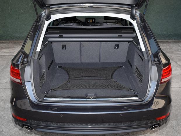 Porta-malas da versão familiar do A4 possui 505 litros de volume
