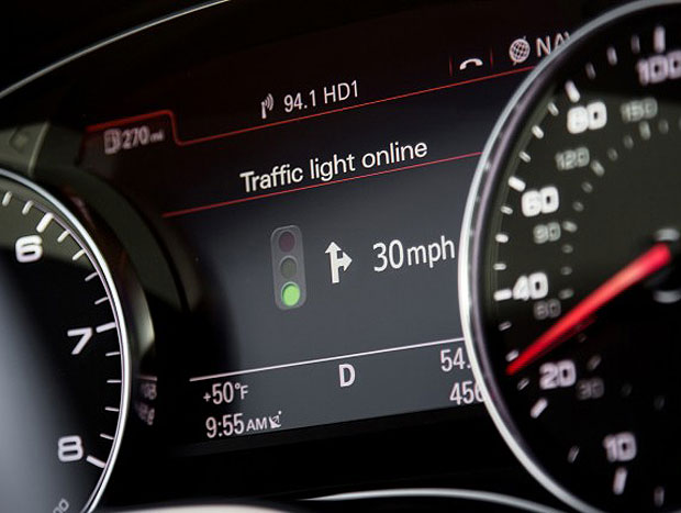Sistema indica a velocidade que o motorista deve manter para encontrar o semáforo verde