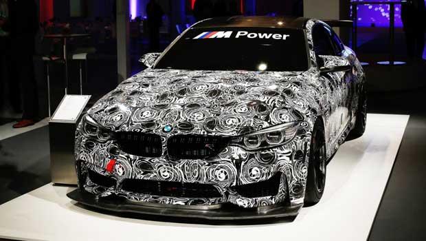 BMW M4 GT4 ainda está em desenvolvimento