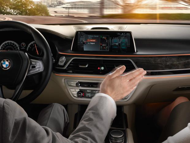 Comandos da central por gestos é aposta da BMW para o futuro