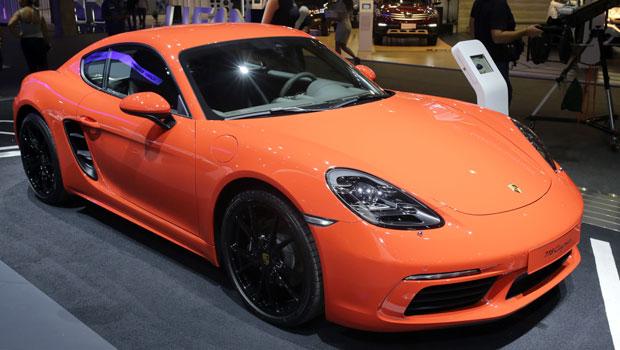 718 Cayman chama a atenção no estande da Porsche