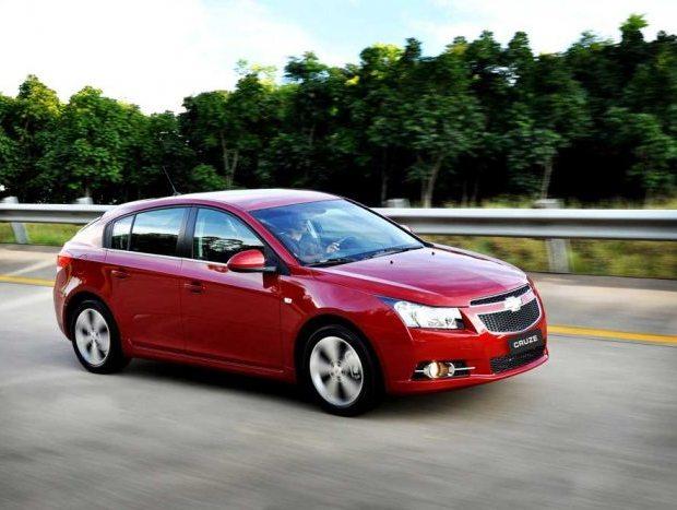 Completo em termos de equipamento, o Chevrolet Cruze é a alternativa para quem tem mais dinheiro para investir