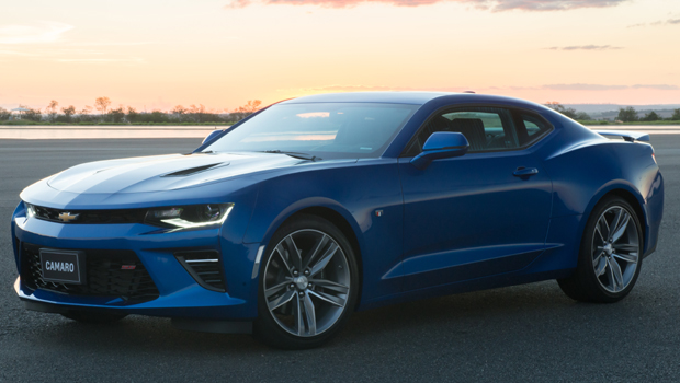 Versões convencionais do Camaro chegam em 2017