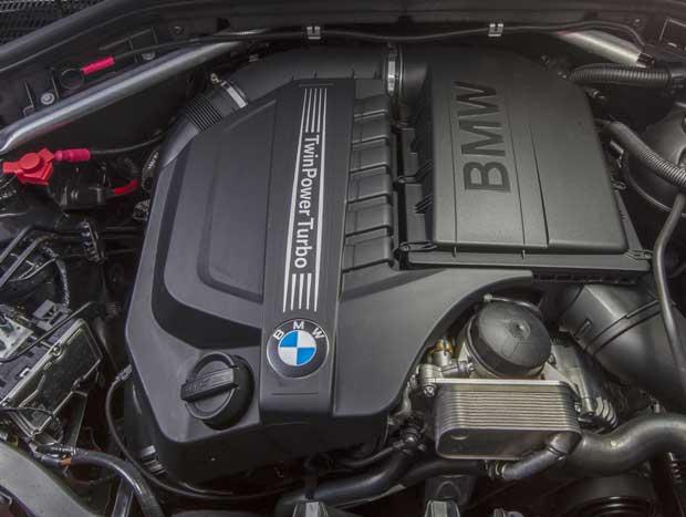 O motor 3.0  de 6 cilindros  é comum aos  três modelos