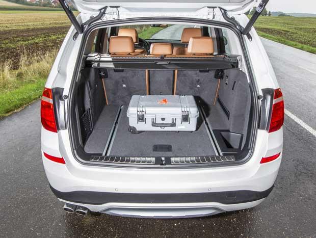 O porta-malas do X3 não faz feio, com 550 litros de capacidade