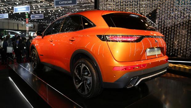 O modelo terá versões com motor híbrido, a gasolina e diesel