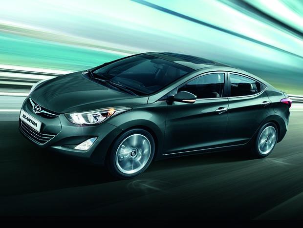 Hyundai manteve equipamentos no Elantra ano-modelo 2015