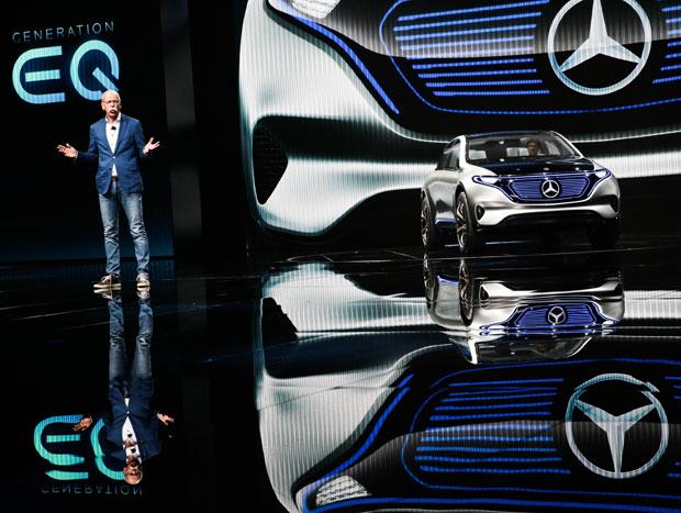 Chefão da Daimler apresenta o elétrico Mercedes EQ