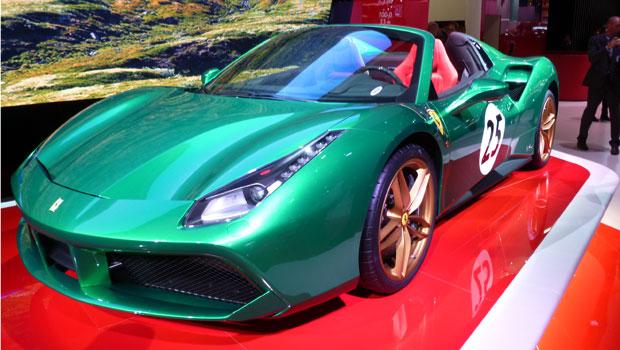 """Ferrari 488 Spider """"The Green Jewel"""", uma das homenagens vistas no salão"""