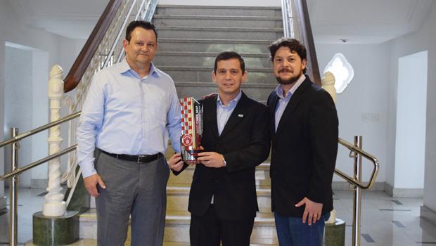 FITLROS: Nelson Silveira (diretor da ACDelco) e Marco Antônio F. Silva (gerente de pós-venda da ACDelco)