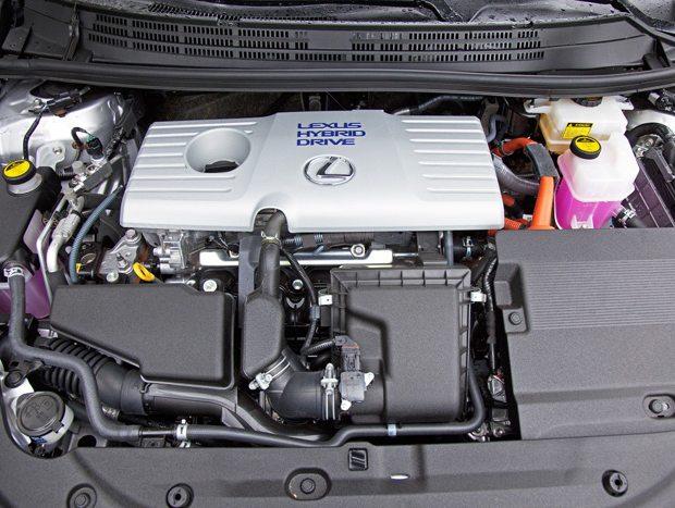 O motor a combustão é um 1.8 de 99 cv auxiliado por outro elétrico de 82 cv