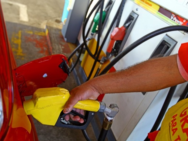 O etanol aditivado custa, em média, R$ 0,10 a mais que o comum