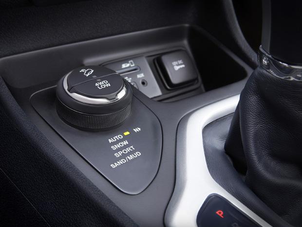 Redução  de mais 45% no consumo: 13 km/l na estrada, segundo  a Jeep