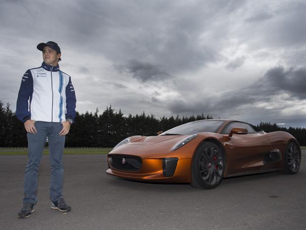 Jaguar convidou o piloto Felipe Massa para dirigir o C-X75