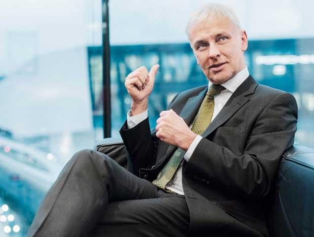 Matthias Müller está aberto à conversa sobre fusão com FCA