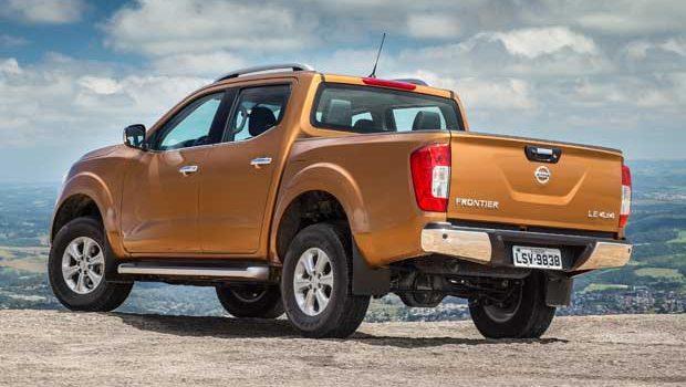 """Identidade visual da Nissan é caracterizada por vincos """"V-Motion"""""""