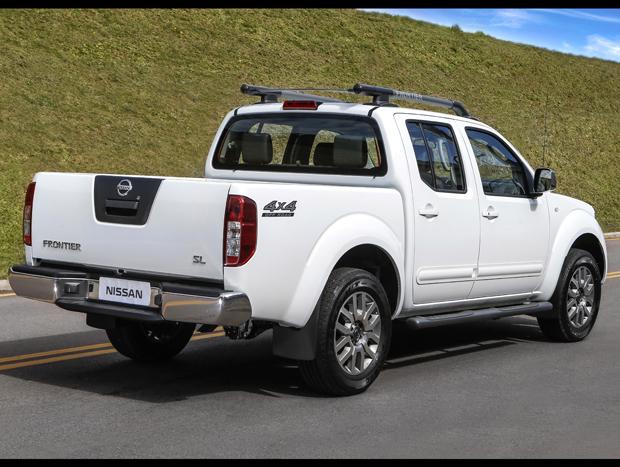Nissan divulga preços da linha 2015 da Frontier