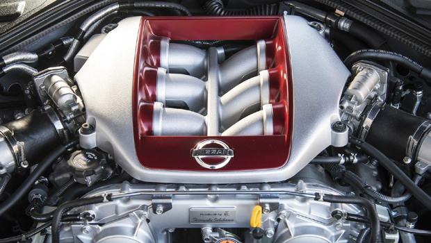 Motor V6 3.8 biturbo recebeu melhorias para render 570 cv