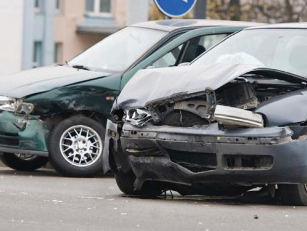 Tire os carros do local do acidente