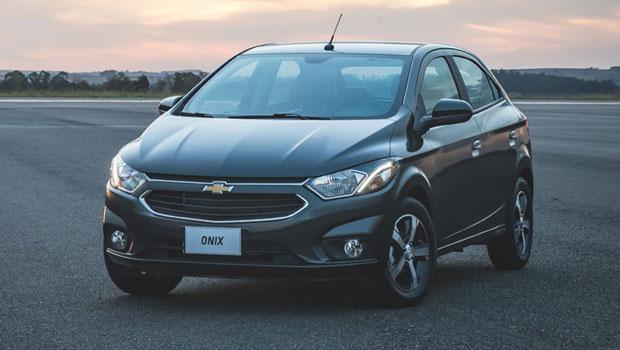 Novo Onix tem a missão de seguir como o carro mais vendido do Brasil