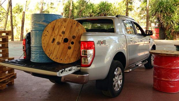 Caçamba recebe vários tipos de carga e aguenta bom peso