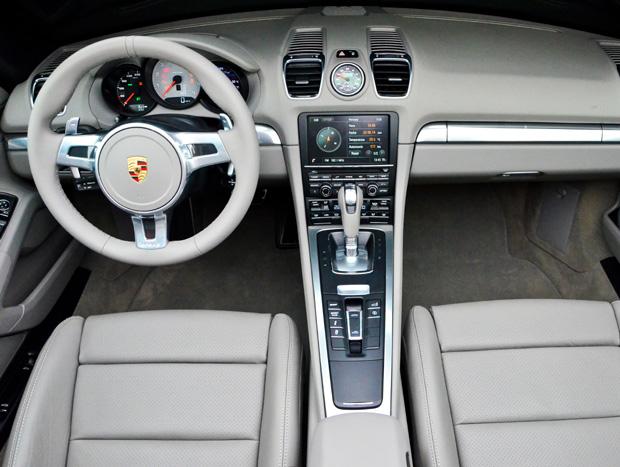 Interior é refinado e moderno, mas clássico ao mesmo tempo