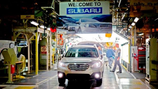 Linha de produção da Subaru em Lafayette, Indiana