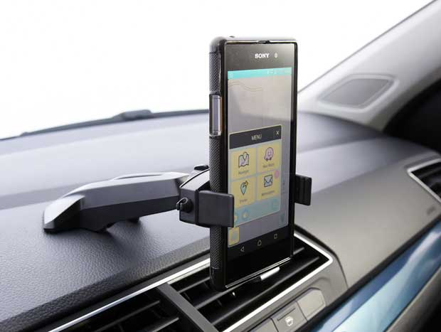Mexer no celular no suporte não deveria gerar infração