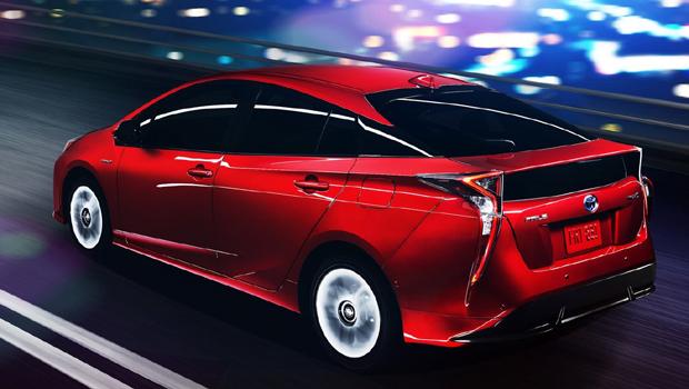 """Sedã da Toyota é o híbrido mais """"barato"""" do Brasil"""