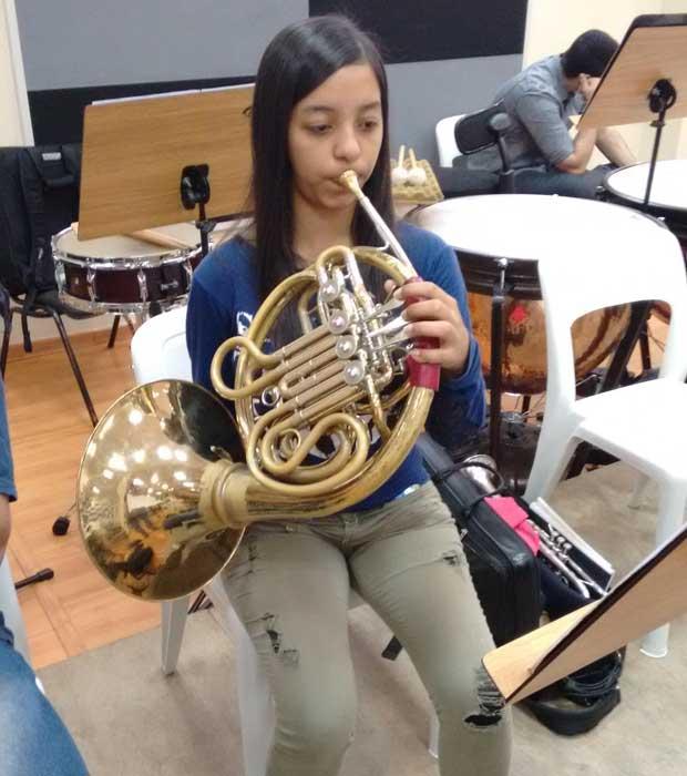 Tamires já pensa em fazer carreira musical fora do país