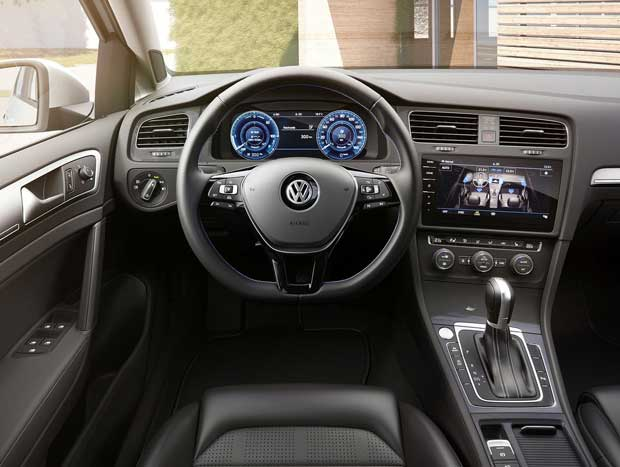 Interior ganhou painel digital nas versões mais caras