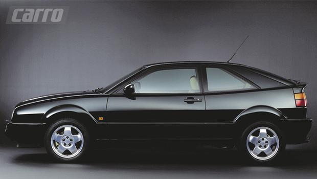 Na configuração 2+2 lugares, o Corrado tinha a missão de substituir o Scirocco de segunda geração, mas este último continuou a ser fabricado ao lado do Corrado até 1992, enquanto a produção do Corrado cessou apenas em 1995