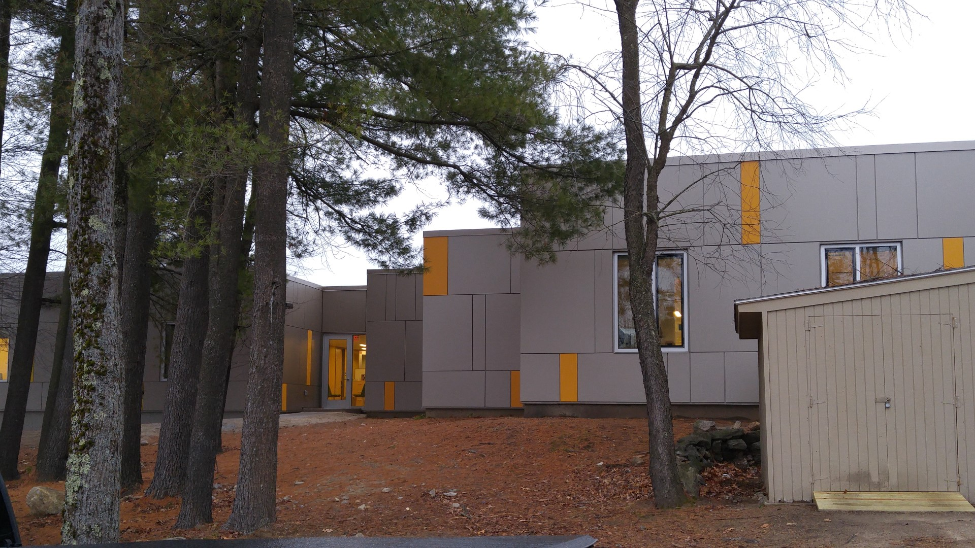 Snhu Shapiro Library Renovation Panel Extrusions Saf