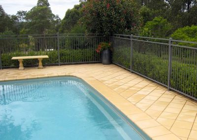 Swimming Pool Fence Photo