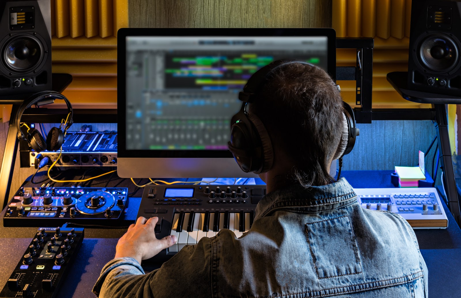 85k-per-month-selling-tools-for-music-producers