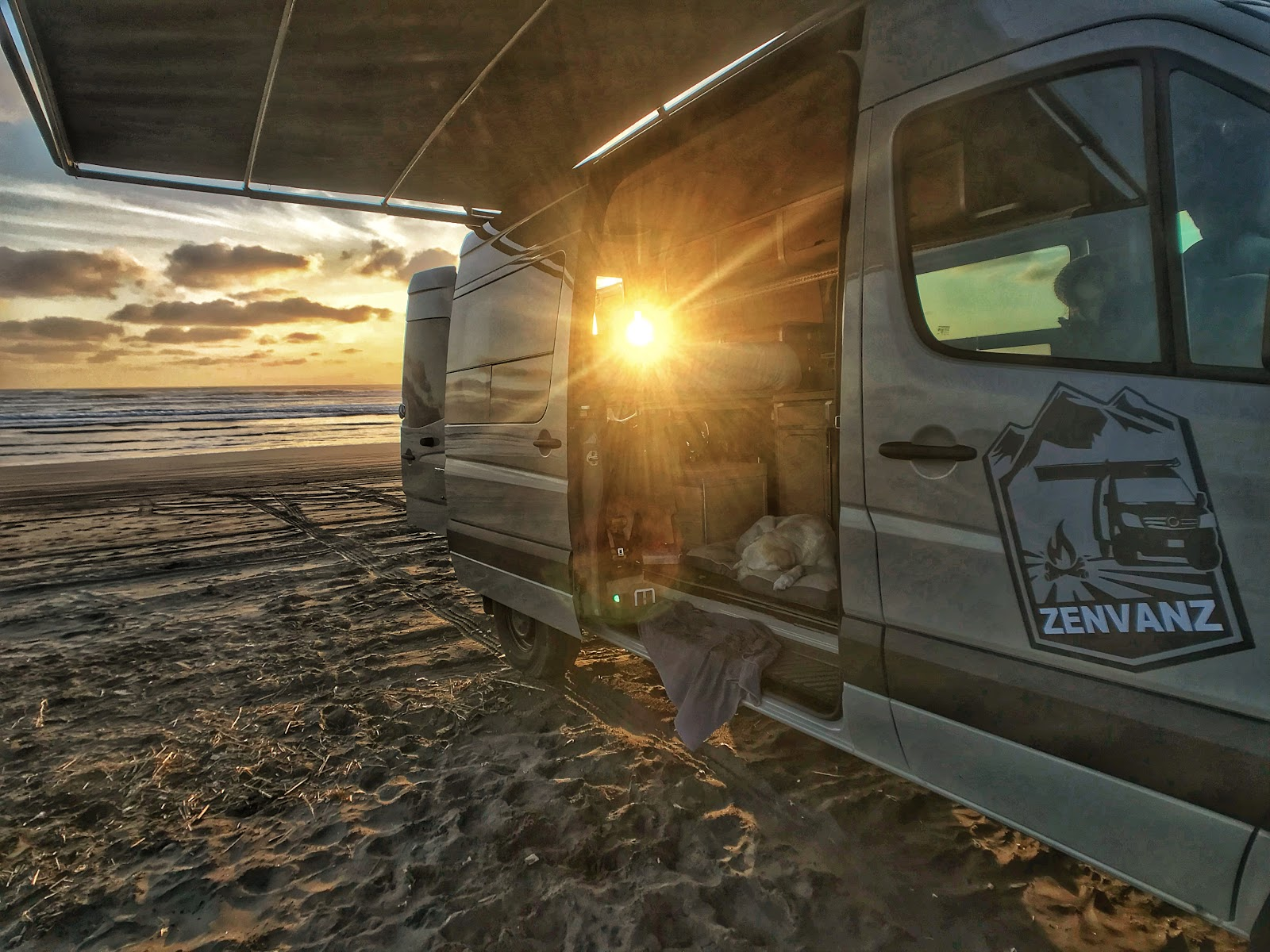 how-we-started-a-8k-month-business-transforming-campervans-while-traveling