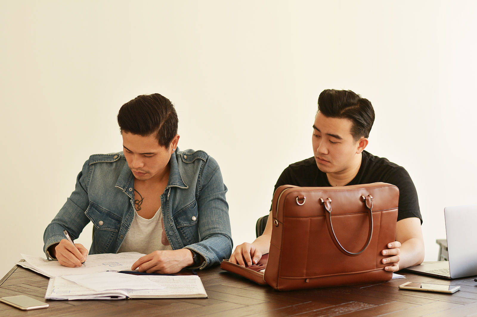 capitalizing-on-kickstarter-to-start-a-2-3m-leather-bags-and-accessories-brand