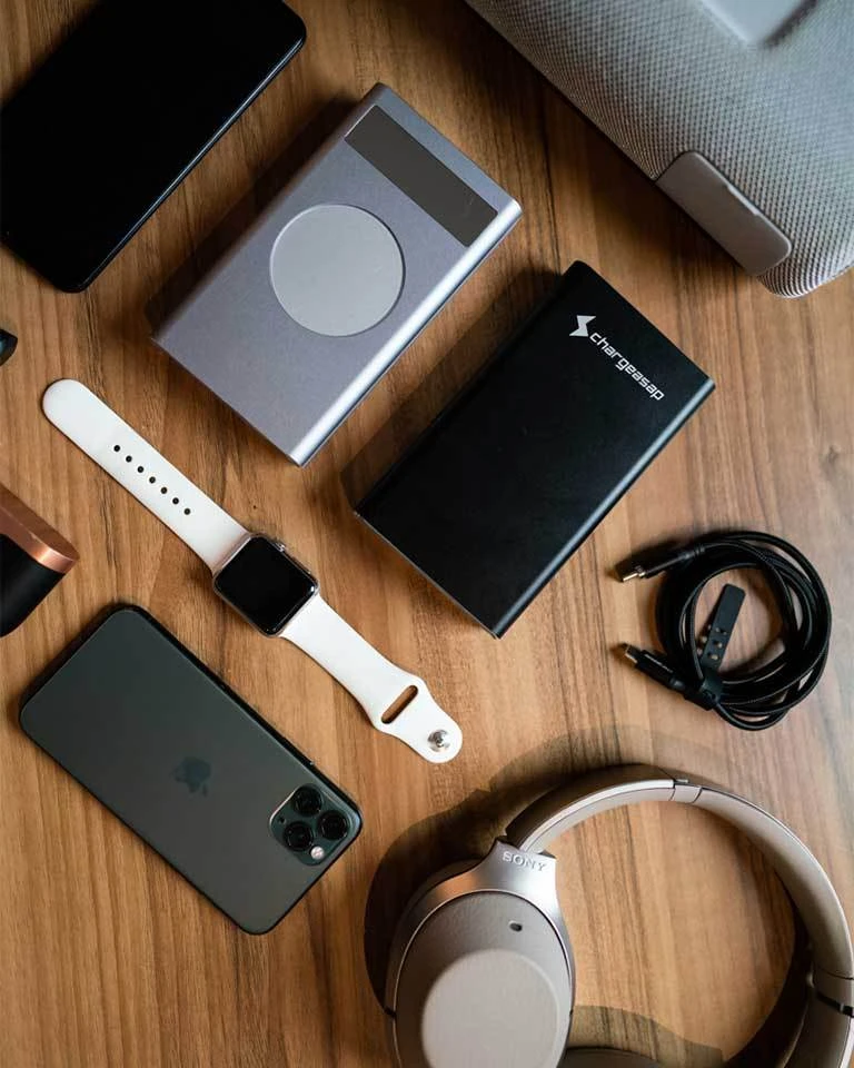 how-we-started-a-500k-month-portable-batteries-and-charging-accessories-business