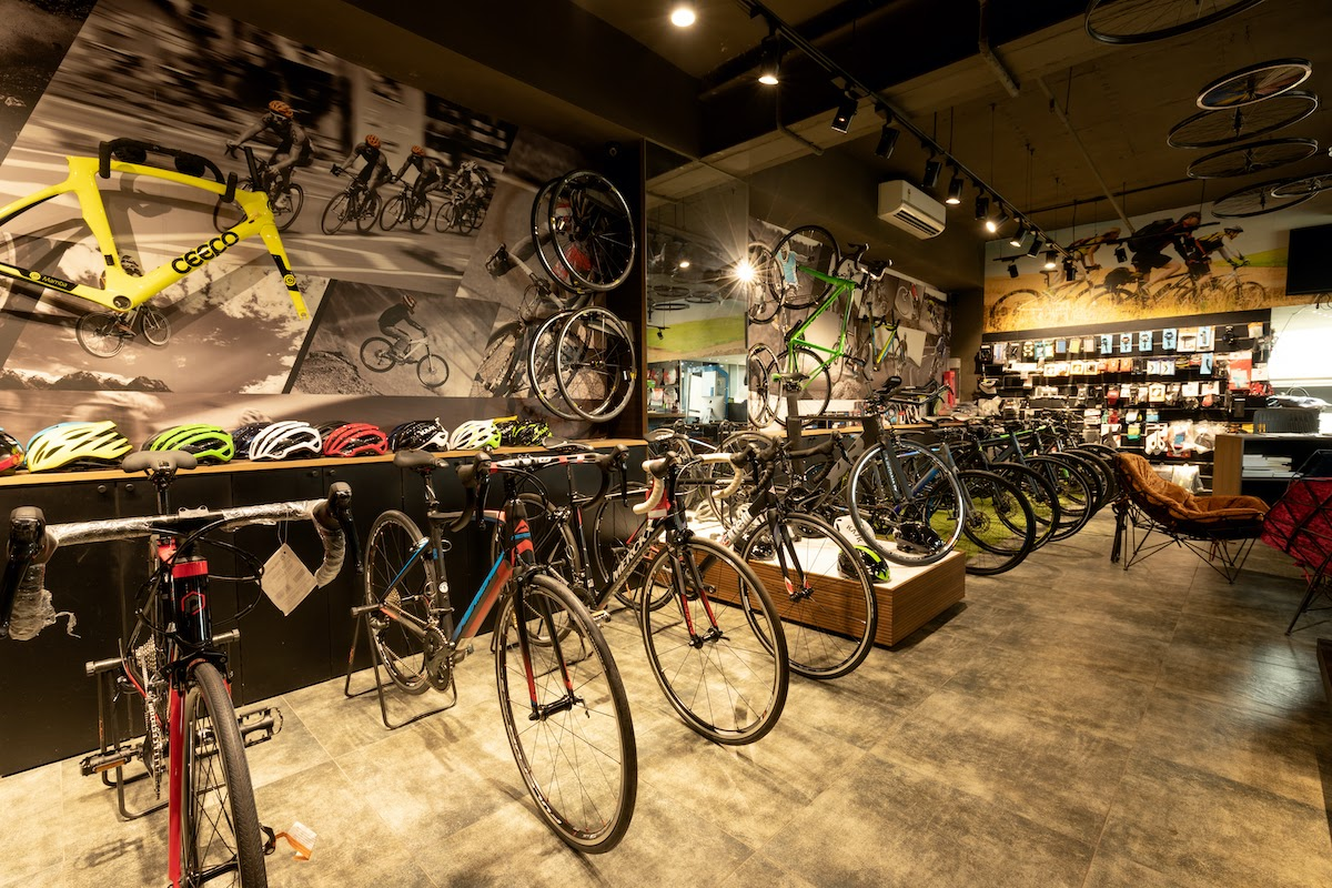 how-i-started-a-55k-month-chain-of-cycling-gear-retail-stores